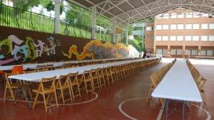 Patio cubierto del colegio Azpilagaña