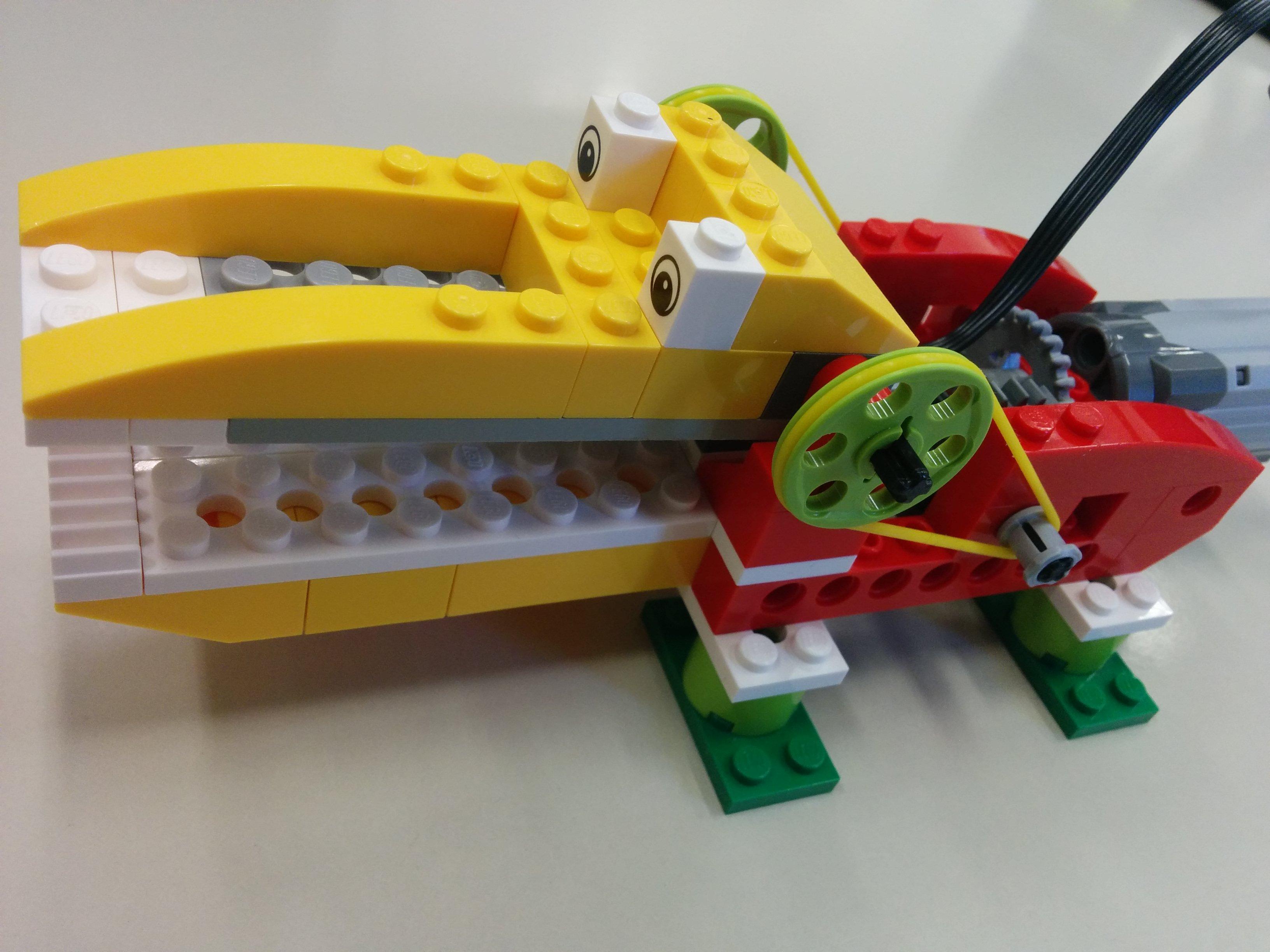 Modelo de WeDo: caimán hambriento