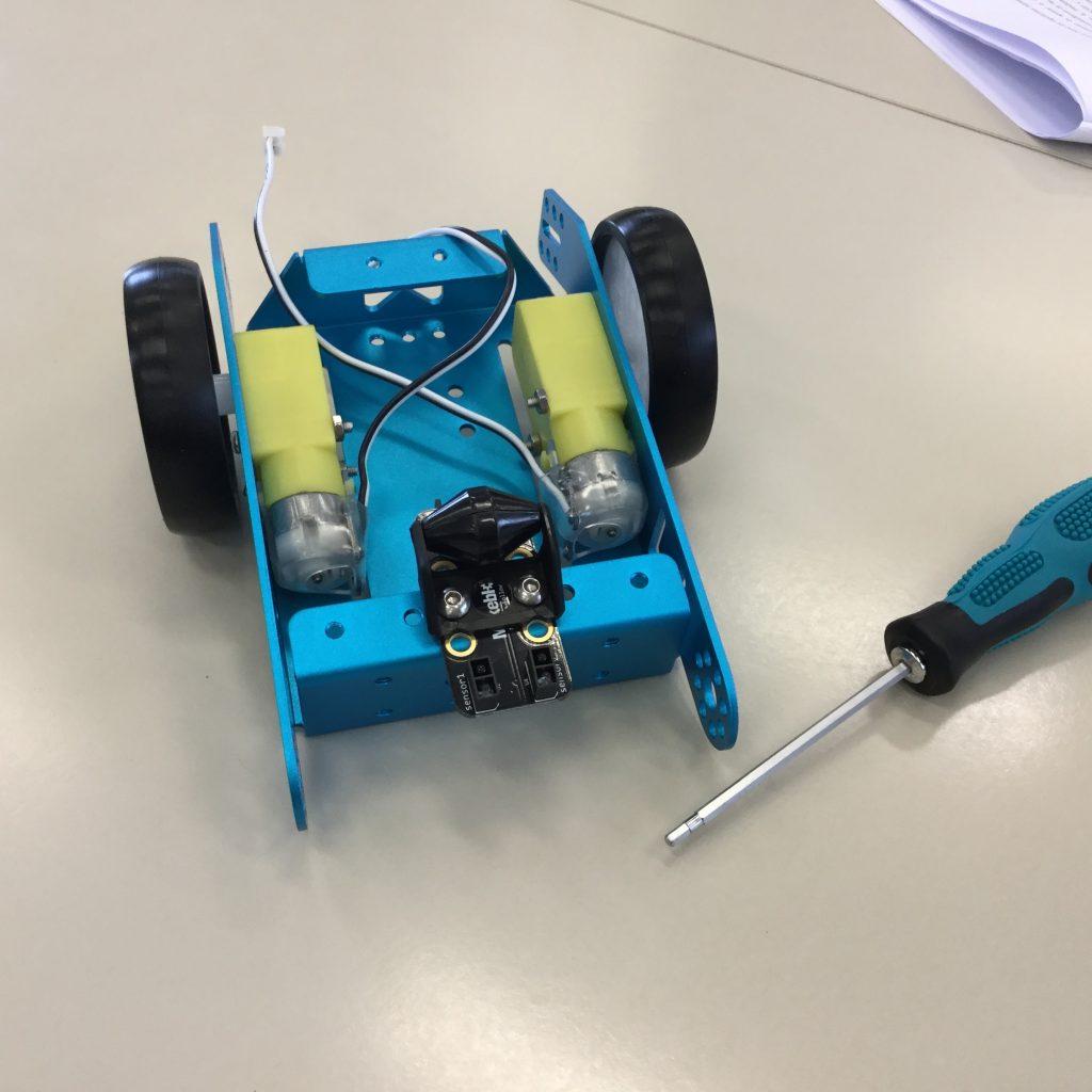Sensor sigue-líneas y mini rueda